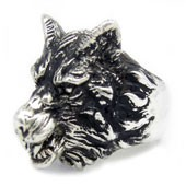 Streling Silver Wolf Ring
